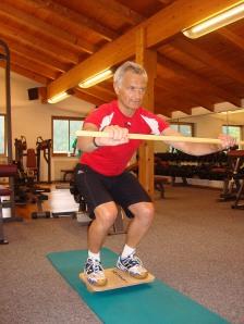 Sportfex und Mitpatient Hubert beim Muskelaufbau-Training.