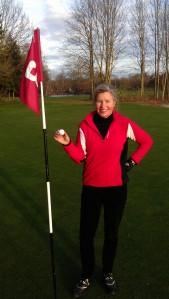 """Bei Föhnwetter haben wir am 25. November Golf gespielt - natürlich mit dem """"Edition Rauchzeichen""""-Golfball mit dem Aufdruck www.mut-zur-neuen-huefte.de."""