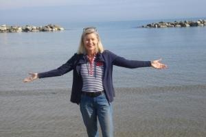 Die Welt und das Meer umarmen im Jahr 5 nach meinen Hüft-TEP OPs.