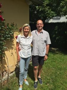 Peter Herrchen besucht mich im Erdinger Garten - 800 Meter Luftlinie von Schloss Aufhausen entfernt, wo am 19. November unser Gesundheitsworkshop stattfindet.