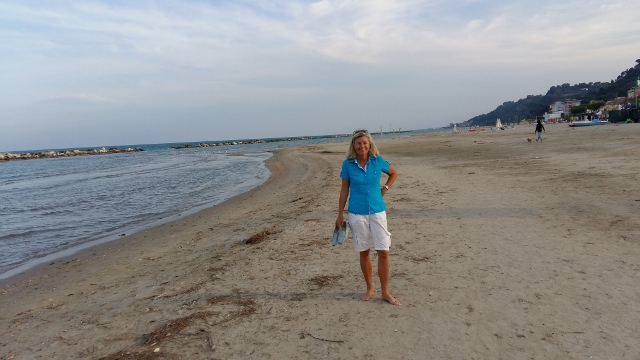 Doppel-Titanhüften-Barfuß-Strandspaziergang am 1. Oktober 2016