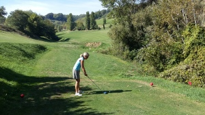 Golf spielen kann man bis ins hohe Alter.