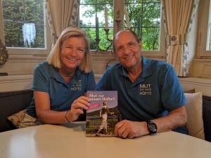 Dreharbeiten am Tegernsee: Heidi Rauch besucht Peter Herrchen 3 Wochen nach dessen Wechsel-OP.