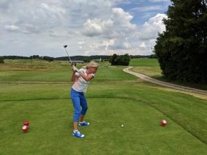 Beim Golfschwung ist Hüftrotation nötig.